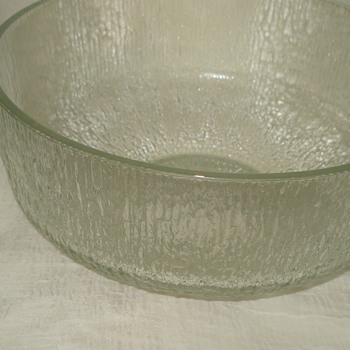 INDIANA GLASS FRUIT BOWL.