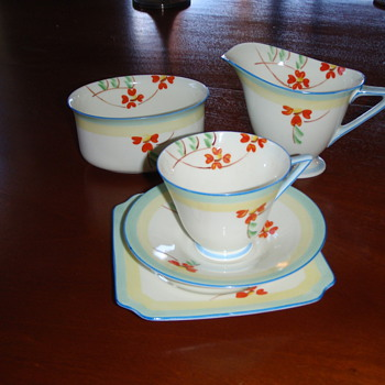 Royal Doulton tea set - China and Dinnerware