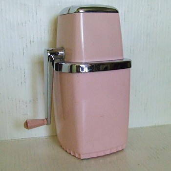 Vintage 1950's Maid of Honor Ice Crusher.