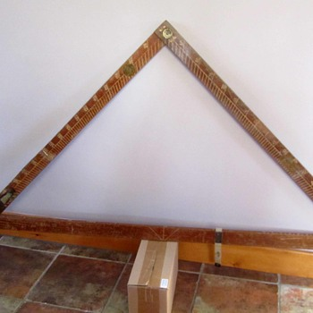 Triangular measure with level - Tools and Hardware