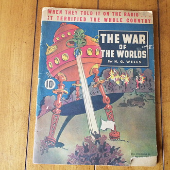 1938 Dell Publishing Co. War of the Worlds   In honor of Orson Welles 1ooth birthday! - Books