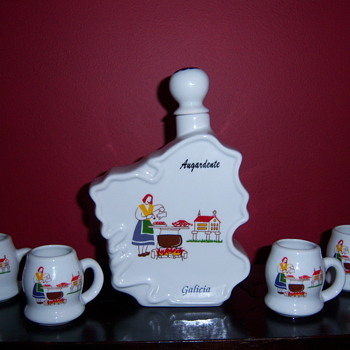 Augardente  Galicia Brandy Liquor Decanter Flask with Cups Glasses Set