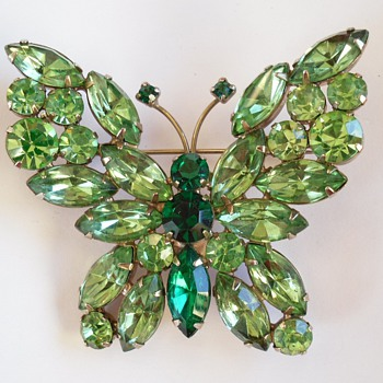 Vintage WEISS Green Rhinestone BUTTERFLY Brooch Pin - Costume Jewelry