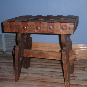 Bench or foot stool - Furniture