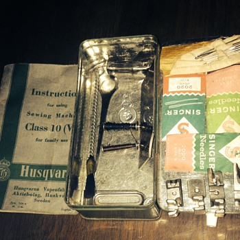 1951 Husqvarna imperial sewing accessories, tin and instruction manual - Sewing