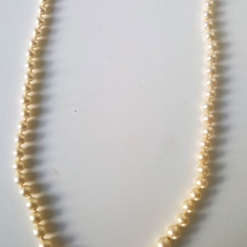 Graduated Champagne Color Pearl Choker/Sterling Clasp Flea Market Find $1.50
