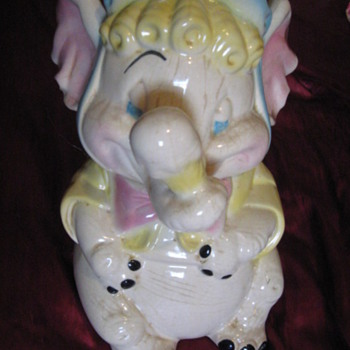 Brush Baby Elephant w/ Ice Cream Cone in Trunk Cookie Jar - Kitchen