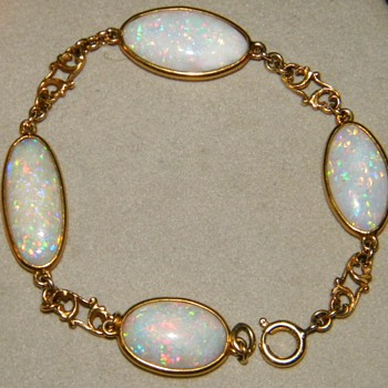 Antique Opal 15k Bracelet 7.75