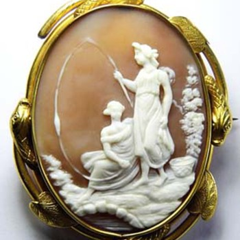 Rare cameo of 2 women fishing - Victorian Era