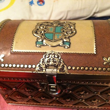 CIGAR BOX - METAL - BERING ADMIRAL CHEST