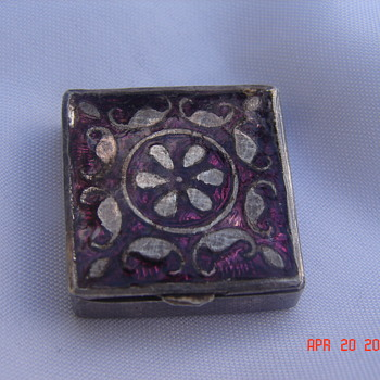 Tiny Silver Trinket Pill Snuff Box With Enamel Top - Victorian Era