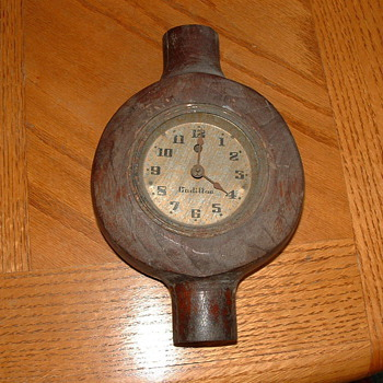 Antique Cadillac alarm clock