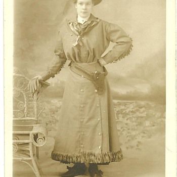 Rare Annie Oakley Photograph Postcard Circa 1895-1900 London,England