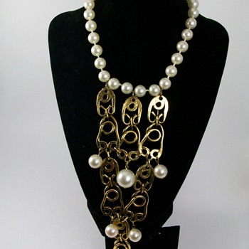 Gorgeous Vintage Bib Necklace