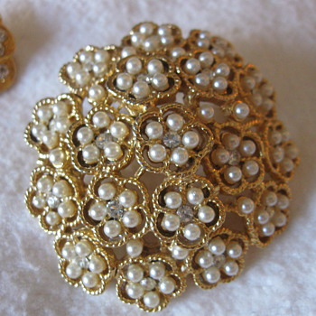 Antique/vintage pin and earrings
