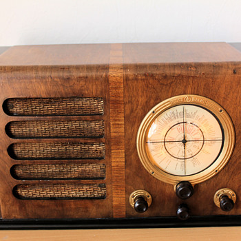 1952-53 Pilot Radio - Radios