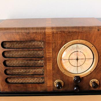 1952-53 Pilot Radio - Radios