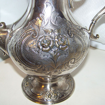Tante Fina&#039;s Silver Teapot