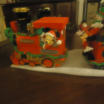 WALT DIENEY CHRISTMAS TRAIN.