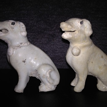 Blanc de Chine Chinese Dogs ---circa 1730  - Asian