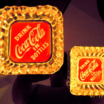 1940&#039;s Coca-Cola Ashtrays