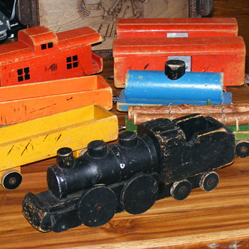 Vintage or antique Childs Wood Push/Pull 8 1/2 foot long..Pull Train? - Model Trains