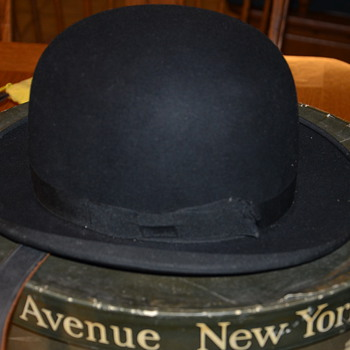 Antique Bowler Hat and Box - Dobb's Fifth Ave - Mens Clothing