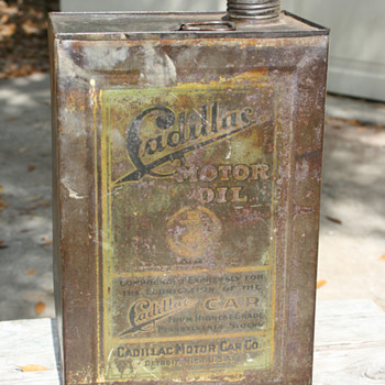 "Vintage ""Cadillac Motor Company"" gallon oil can - Petroliana"