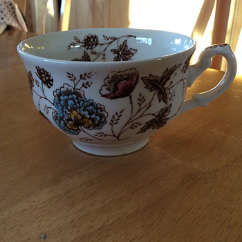 Old Chelsea fine Staffordshire Ware - China and Dinnerware