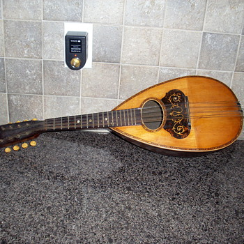 unknown mandolin  - Guitars