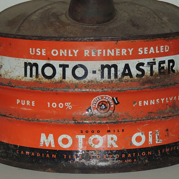 moto-master 2 imp.gal. oil can - Petroliana
