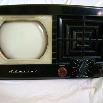 1940's art deco radio