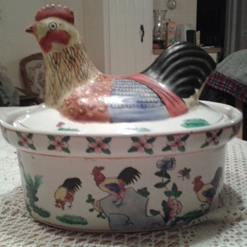 hen on tureen ???