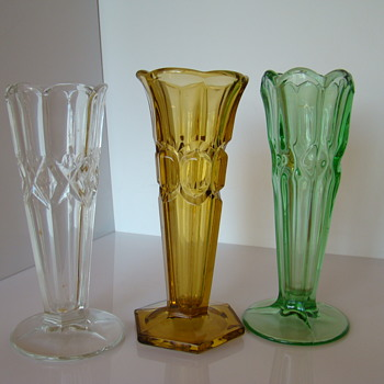 Follow-up to sklo's Czech Art Deco Pressed Glass Vases