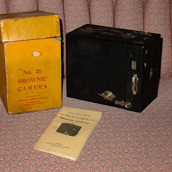 Kodak Box Brownie with Box & Instructions  - Cameras