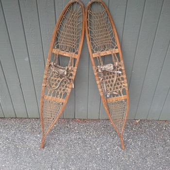 1941 snowshoes