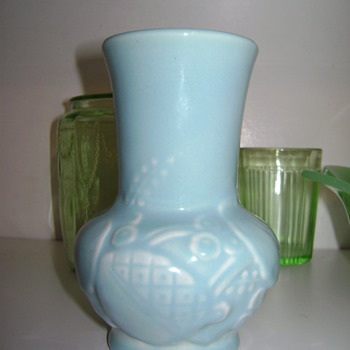 Cute small Vase - Art Pottery