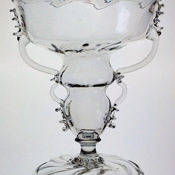 Floral glass by Simon Gate  Orrefors 1917-18.