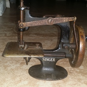 miniature singer sewing machine - Sewing