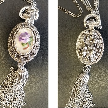 Mother's favourite pendant necklace
