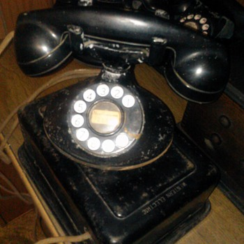 My Western Electric D1 with Dial. - Telephones