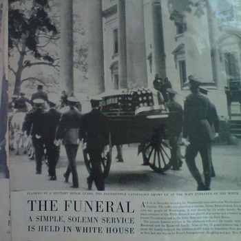 Newspaper 1944-45 roosevelt death!