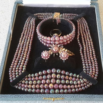 Market Find 6 piece jewellery set - Costume Jewelry