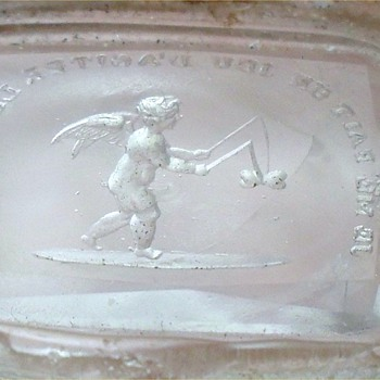"GEORGIAN CHERUB GLASS WAX SEAL INTAGLIO WITH FRENCH MOTTO ""JE ME FAIT UN JEU D'AGITER LES COEURS"""