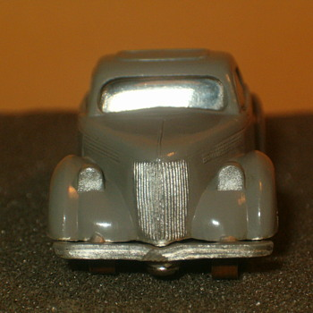 ATLAS H.O. SCALE 36 FORD IN GREY