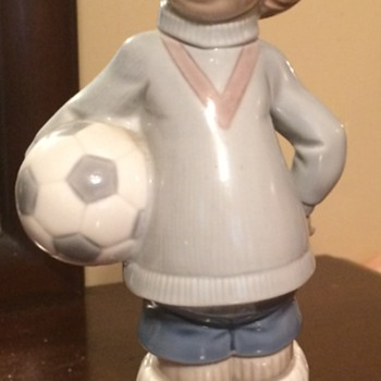 "LLADRO' ""Soccer Player Puppet"" Figurine - Figurines"