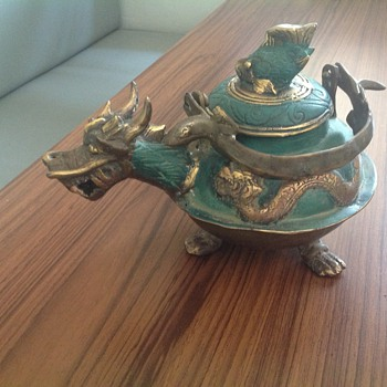 Asian teapot dragon design