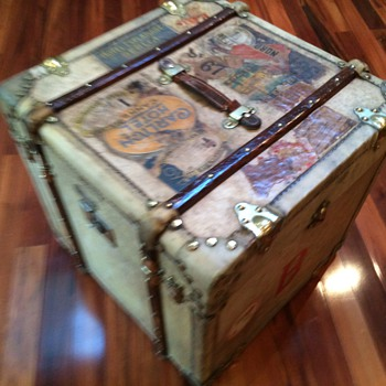 French (Cube) Trunk  Malle ELYSEE' Continued...