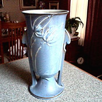 """Roseville Blue """"Teasel"""" Vase /# 887-10 / Circa 1938 - Art Pottery"""