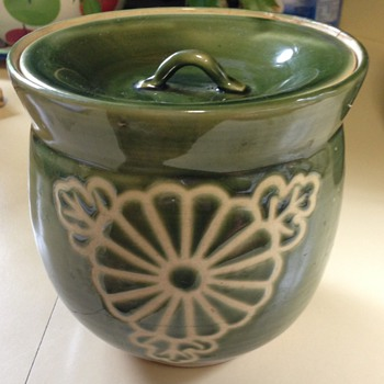 Green asian lidded jar - Art Pottery